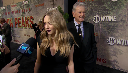 Amanda Seyfried Gushes Over Life as a New Mom E Red Carpet & Award Shows
