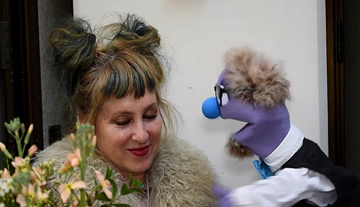 That Time Kimmy Robertson, Lucy from Twin Peaks, Caressed a Puppet at Pasadena Comic Con