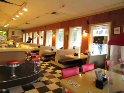 Twin Peaks' Double R Diner Walkthrough- FIRST LOOK! - YouTube